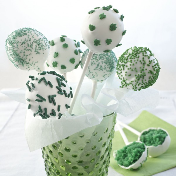 St Patty's Day Cake Pops