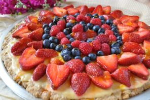 Can I have it for breakfast?  Berry Good Oatmeal Cookie Cake Recipe @hollyclegg