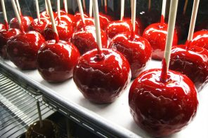Easy Home Made Candy Apples