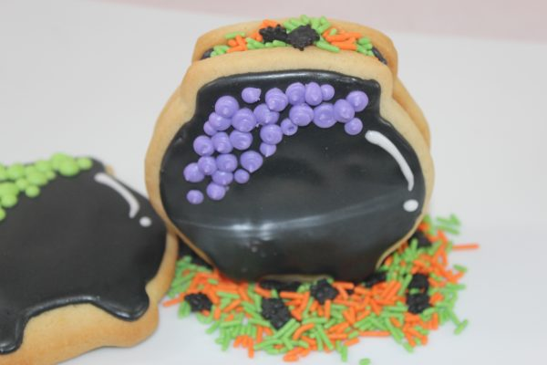 3d-sugar-cookie-cauldron-1